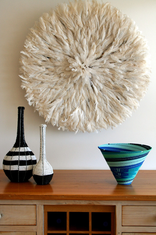 Contemporary safari style | Inspiration for your walls | Feathers eclectic