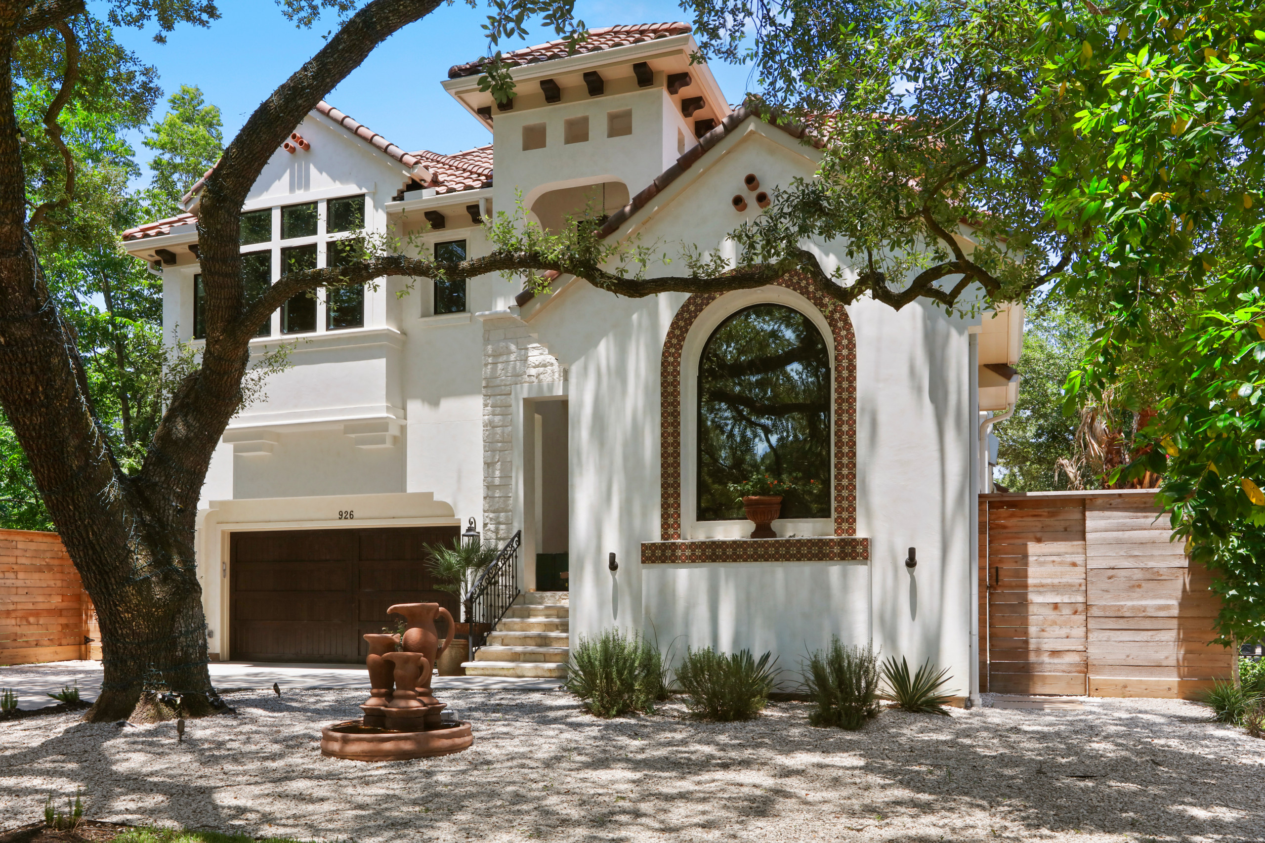 Santacruz Residence