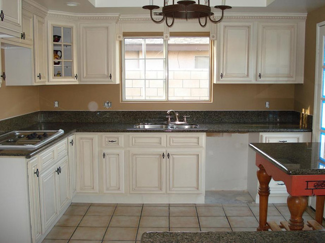 Antique White Kitchen Cabinets Home Design - Modern - Columbus - by ...