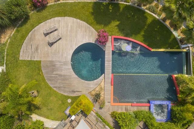 piscine g om trique. Black Bedroom Furniture Sets. Home Design Ideas