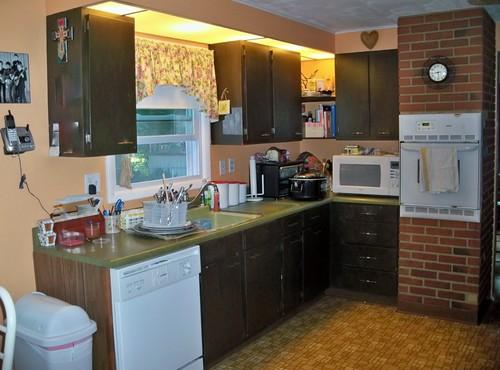 Brady Bunch Green Kitchen Countertops - Help!