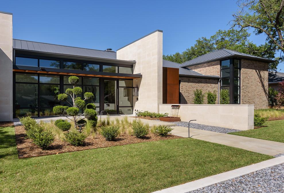 Trendy home design photo in Dallas