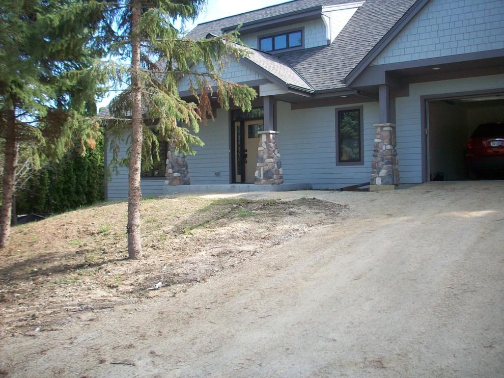 Craftsman Front Yard - Cedarburg
