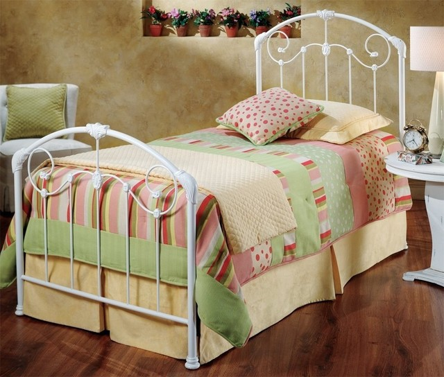 Maddie Bed With Metal Bed Frames And Trundle, Twin.