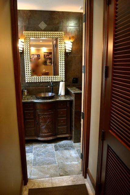 Mediterranean Villa mancave bathroom