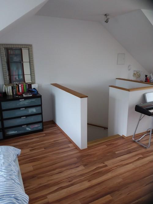 brauche tipps f rs gauben schlafzimmer unter dem dach. Black Bedroom Furniture Sets. Home Design Ideas