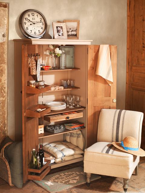 armoire pratique bord de mer grenoble par comptoir de famille. Black Bedroom Furniture Sets. Home Design Ideas