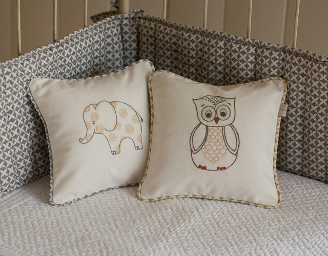 Decorative Pillows For Crib : Decorative Nursery Pillows ~ TheNurseries