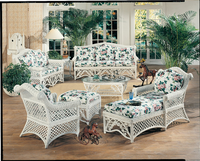 Old Fashioned Wicker Furniture Reproduction