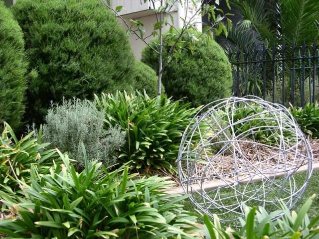 Wire Sculpture Balls Amp Landscape Design By Boodle Concepts