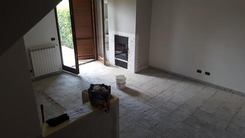 Come posizionare le piastrelle nella cucina-soggiorno?