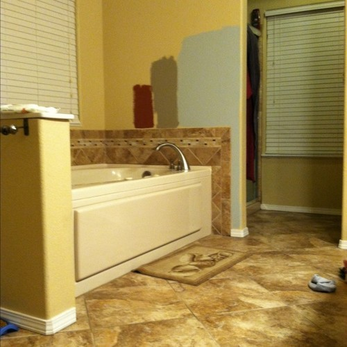 paint color for bathroom with beige tile i need help with my wall color in my bathroom 26255
