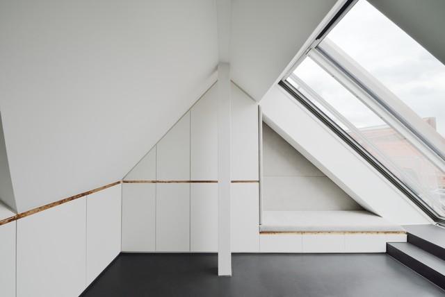 dachgeschossausbau a modern m nchen von wiedemann. Black Bedroom Furniture Sets. Home Design Ideas