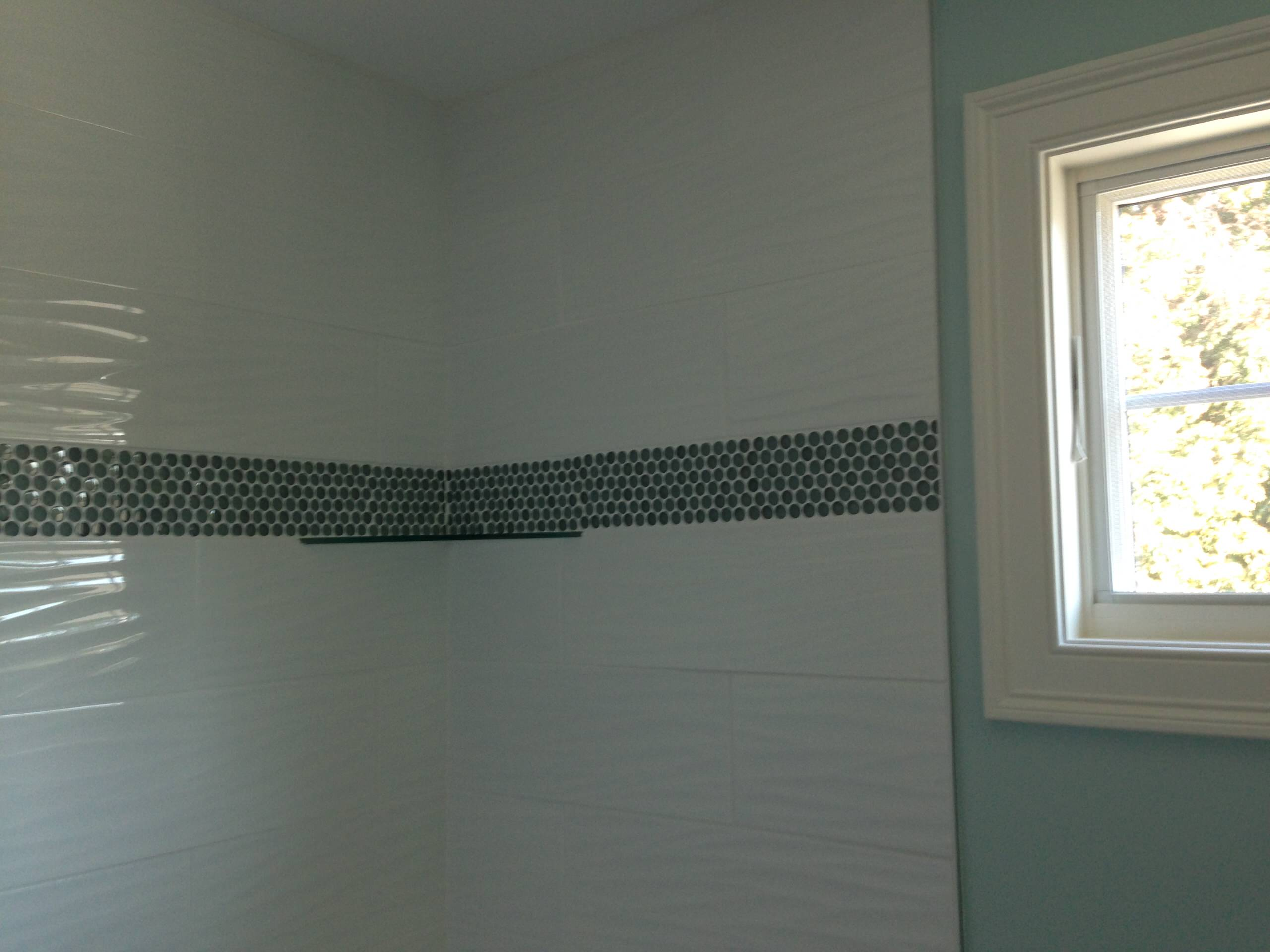 White Wave Tile with Border