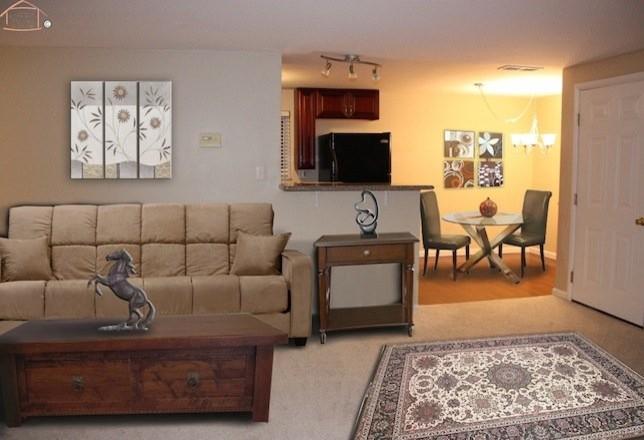 Home design - mid-sized traditional home design idea in Denver