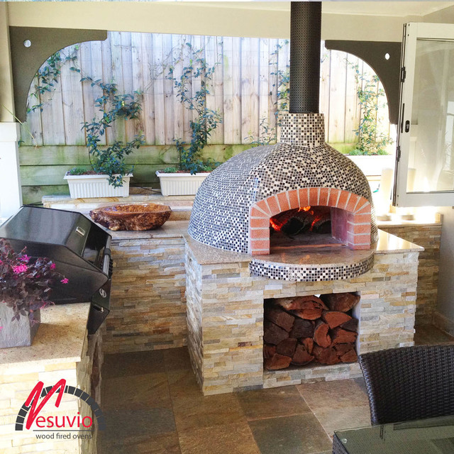 Wood fired oven 17 for Four pizza exterieur