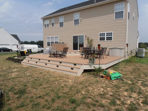 Streamlined Ground-level Deck
