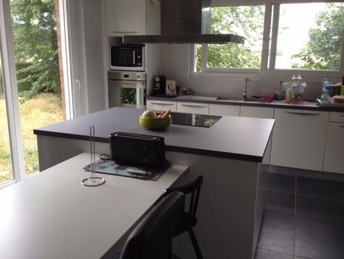 Quelle couleur de mur pour cuisine blanche avec sol gris for Cuisine blanche mur gris anthracite