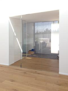 ganzglas windfang fl chenb ndig modern m nchen von. Black Bedroom Furniture Sets. Home Design Ideas