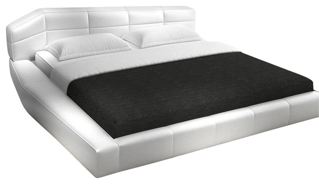 J M Dream White Leather Queen Size Platform Bed With Matching Nightstands