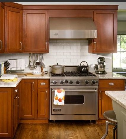 Choosing A Backsplash For Kitchen With Wood Cabinets