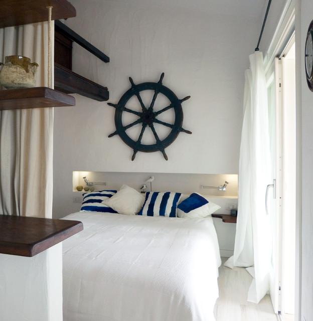 Villa in sardegna al mare camera da letto cagliari for 5 piani di camera da letto 4 bagni