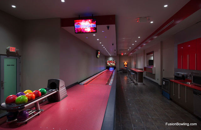 living room lanes bowling set bowling alley for hip hop mogul 20095