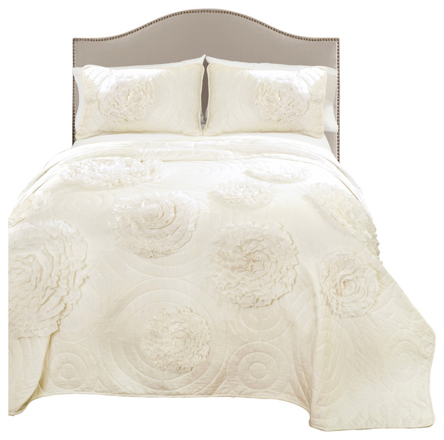 Serena Ivory 3 Piece Quilt Set Quilts And Quilt Sets