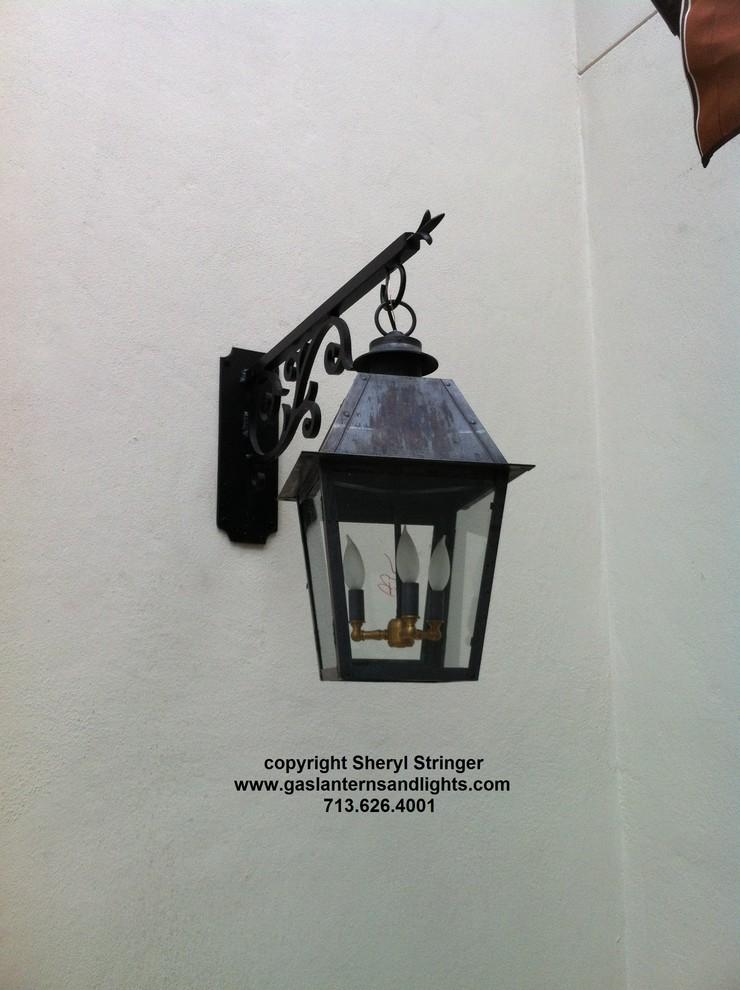 Sheryl's Style 1 Electric Lantern on Steel Arrow Bracket