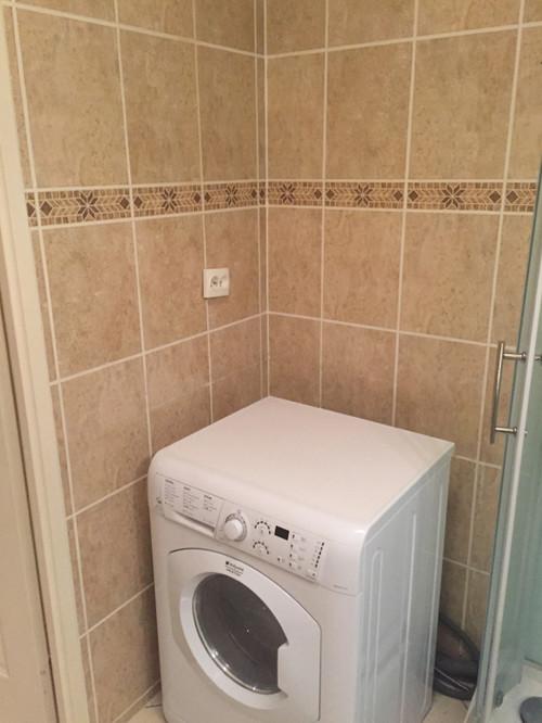 ma petite salle d 39 eau est devenue une salle de bains. Black Bedroom Furniture Sets. Home Design Ideas
