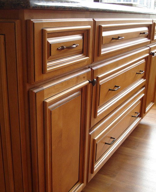 Under Cabinet Molding: Applied Molding On Cabinet Doors