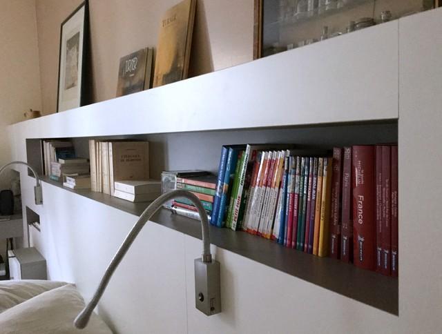 Tête de lit bureau dans la chambre des parents