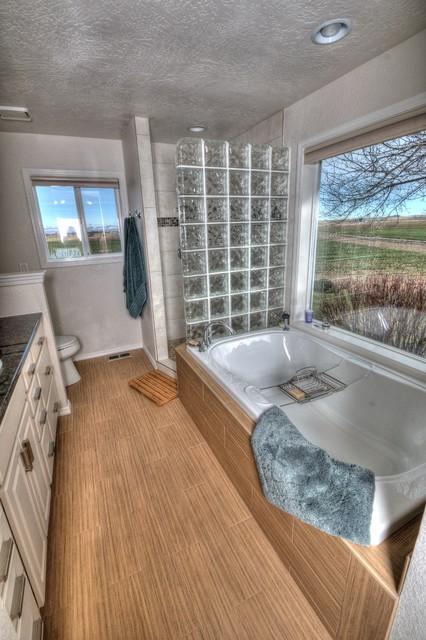 Johnson bath closet traditional bathroom boise for Bath remodel johnson city tn