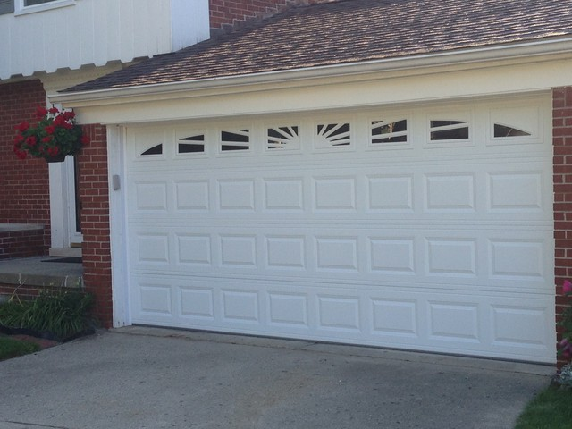 Traditional raised panel garage doors traditional for Premier garage doors
