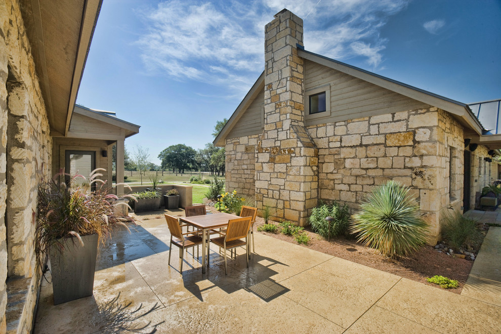 Inspiration for a rustic home design remodel in Austin