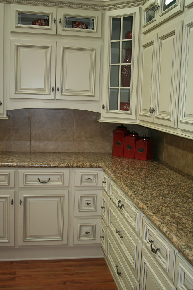 Modern Columbus By Lily Ann Cabinets, Arlington Oatmeal Kitchen Cabinets