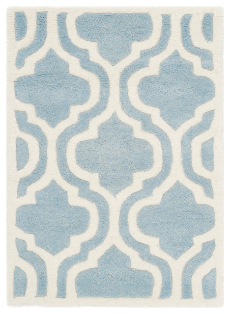 """Safavieh Lynelle Hand-Tufted Rug, Blue And Ivory, 2&x27;3""""x5&x27;."""