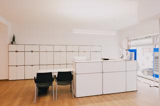 allianz b ro cham. Black Bedroom Furniture Sets. Home Design Ideas