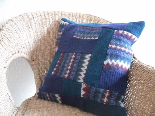 Recycle Or Throw Away Pillows : Eco-Rehash: How to Make Recycled Throw Pillows in a Flash RecycleNation