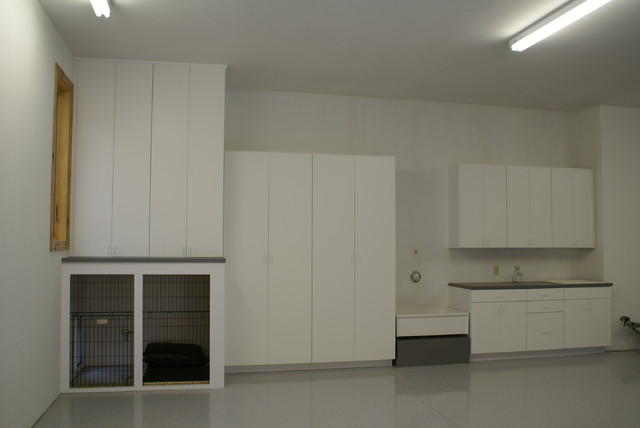 Superbe Laminate Garage Cabinets With Dog Kennel Modern
