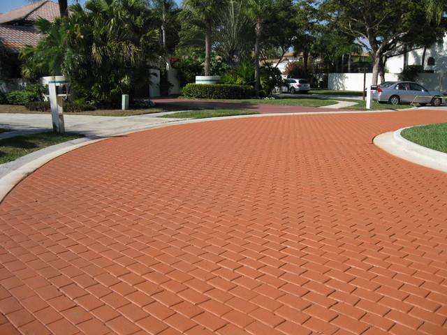 Coloron Colored Sealer On Brick Paver Driveway