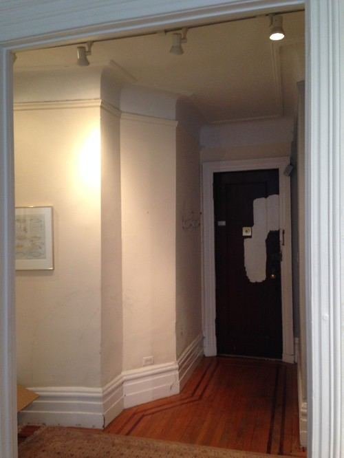 How do you define a skimpy, little foyer with paint color?