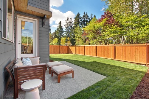 Uncovered patio vs covered patio in seattle bothell for Uncovered patio ideas