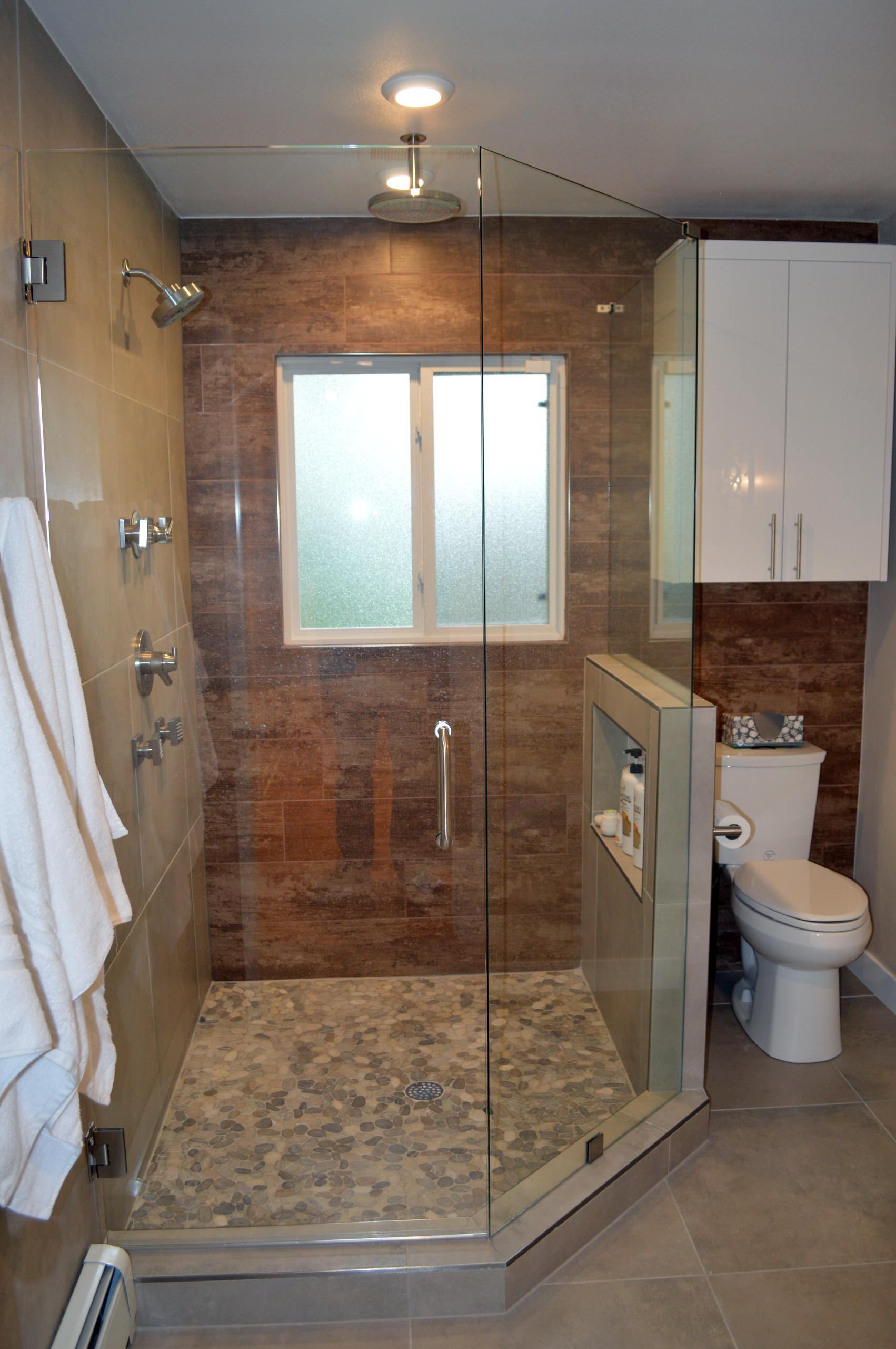 Crestmoor Modern Bathrooms