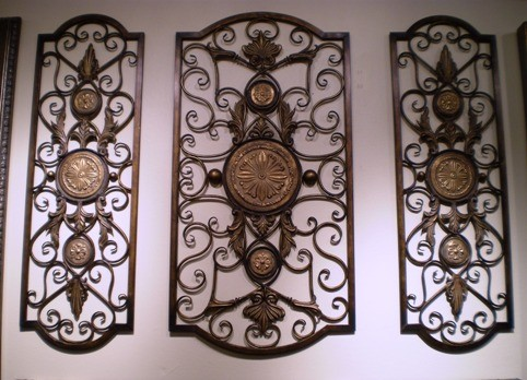 3 piece iron wall decor with glass medallions where from how much