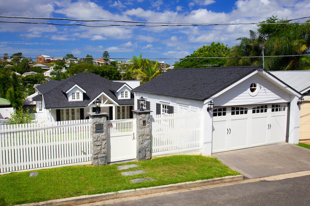 Hampton queenslander style house for Front door queenslander