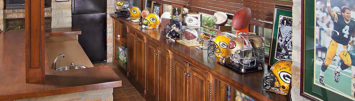 Custom kitchen display in the Kohler Signature Store showroom in ...