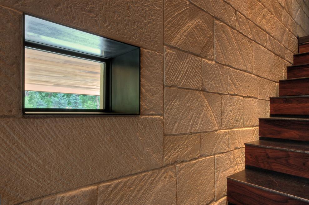 Example of a minimalist home design design in Austin