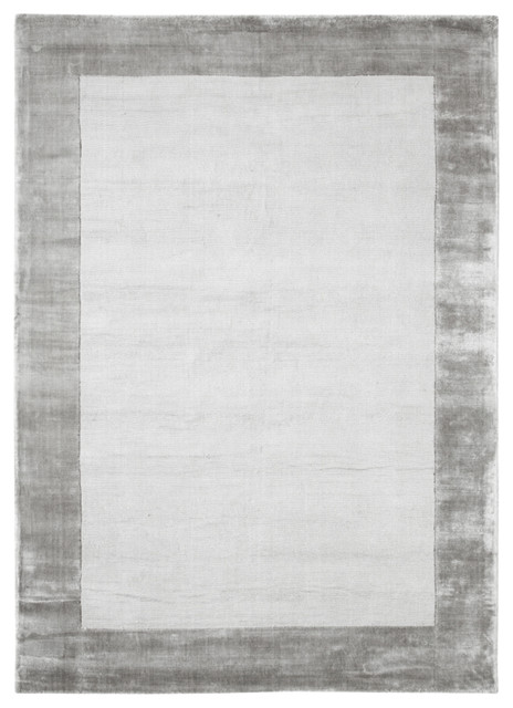 Maine Light Gray Rayon Rug, 5&x27;x8&x27;.