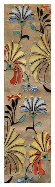Spring Blooms Transitional Rug, Dark Beige, 2&x27;x8&x27;.